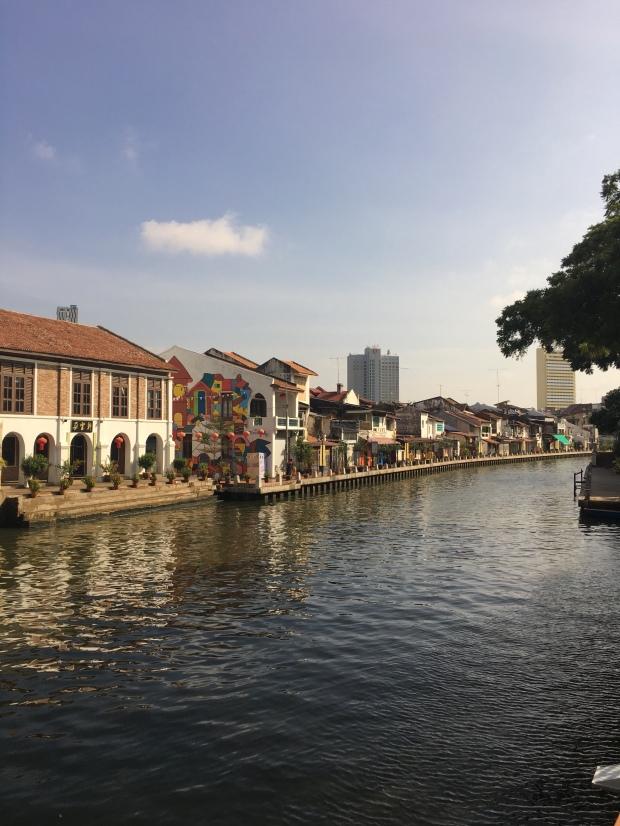 白天的马六甲河